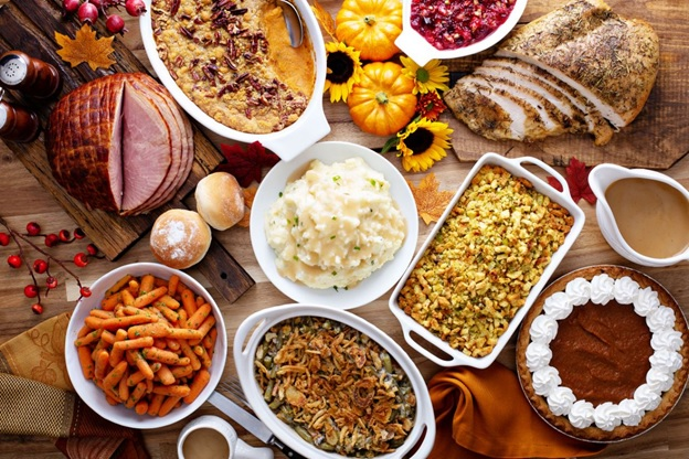 THE ULTIMATE GUIDE TO PLANNING THANKSGIVING DINNER